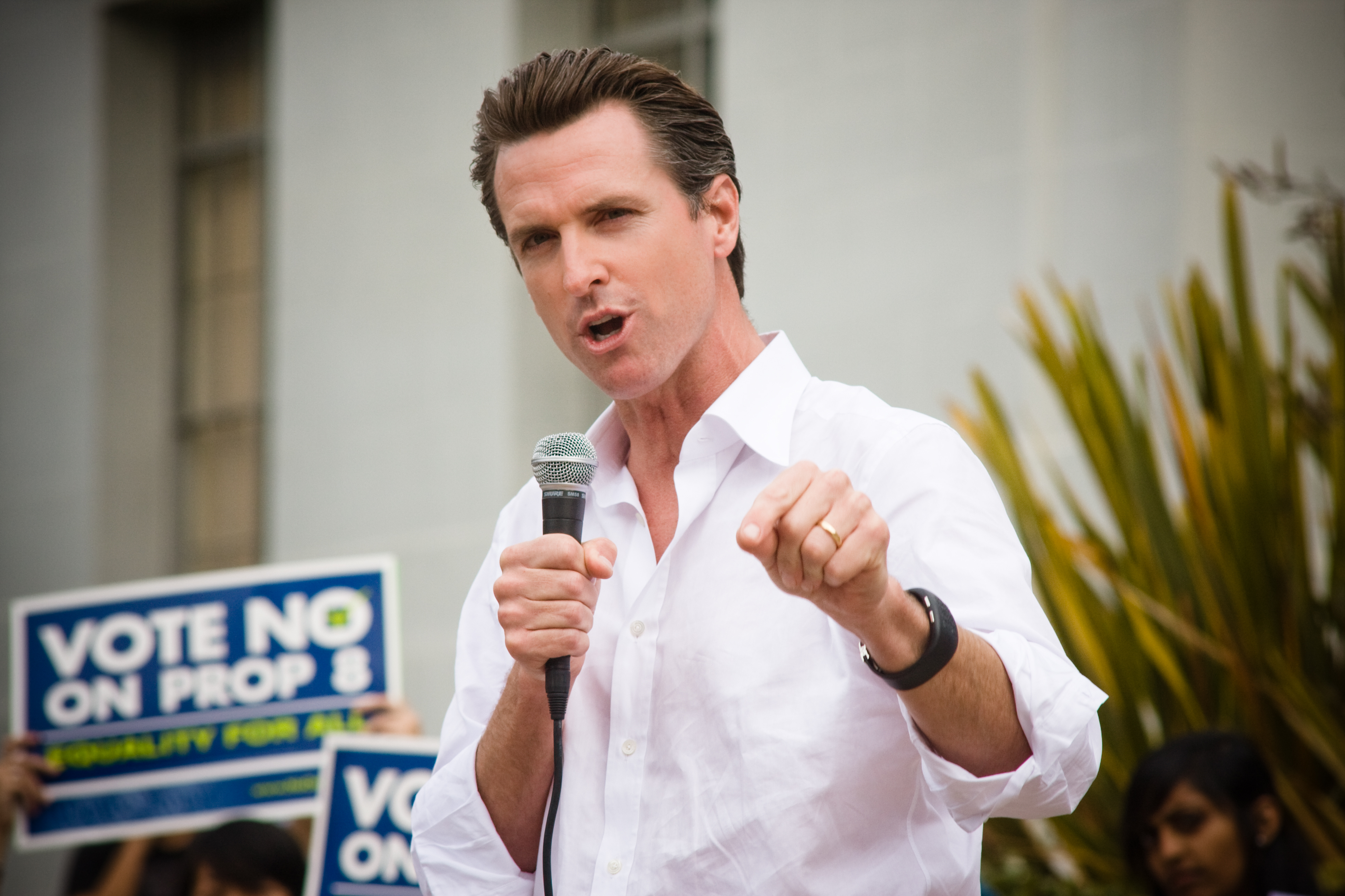 CA Gov. Gavin Newsom Endangers Police with his Signature on a New Bill....