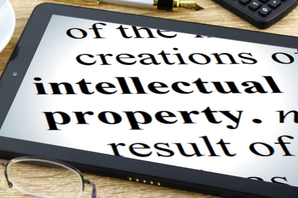 How Elites Control Us: Patents on Intellectual Property